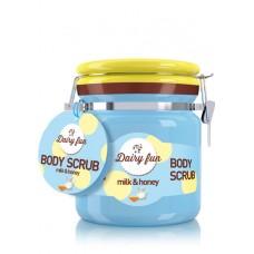 D Dairy Fun body peeling Пиилинг за тяло Мляко и Мед
